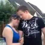 un-couple-chante-mal-son-amour-sur-internet_32928_w250